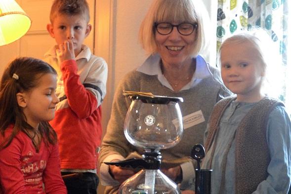 Efterårsferie, sjov for børn og voksne på Fyn, omvisning, rundvisning, Tidens Samling, museum for klæder, form og bolig i det 20. århundrede, Odense