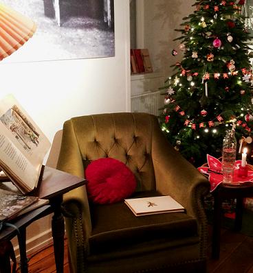 Julefortællinger, julehistorier 2018, skuespillerinde Susanne Saysette, julehygge