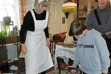 Vinterferieaktiviteter 2019, Fruerne i stuerne, prøv at kniple, Tidens Samling, museum for klæder, form og bolig i det 20. århundrede, Odense