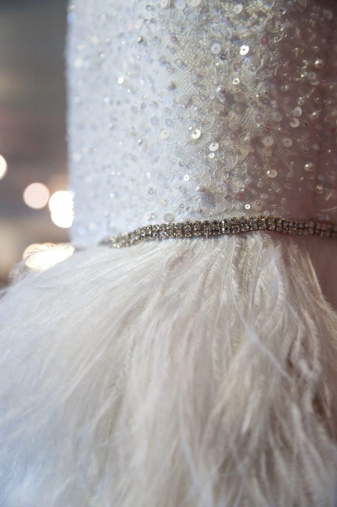 Kostumerne fra Divaer i glas på Tidens Samling i særudstillingen 'Klædt på til alle tiders selskab'